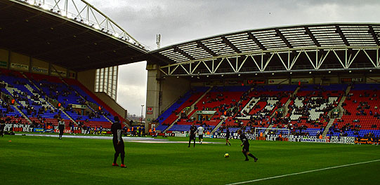 Sides warm up before Wigan v Fulham, 8th November 2009, DW Stadium