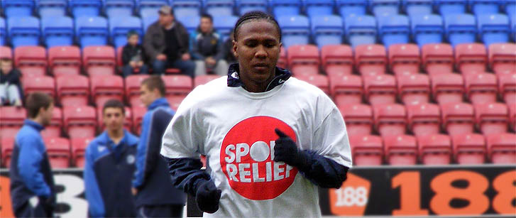 Hugo Rodallega in Sport Relief t-shirt