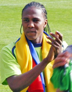 Hugo Rodallega thanks the fans