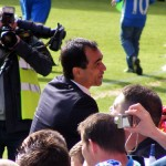 Roberto thanks the fans