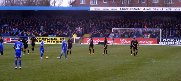 The game gets underway, Macclesfield v Wigan 26 Jan 2013